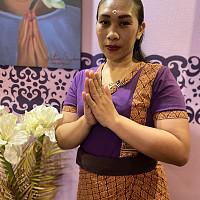 Тайский мастер спа салона Вай Тай Жукова - Сари